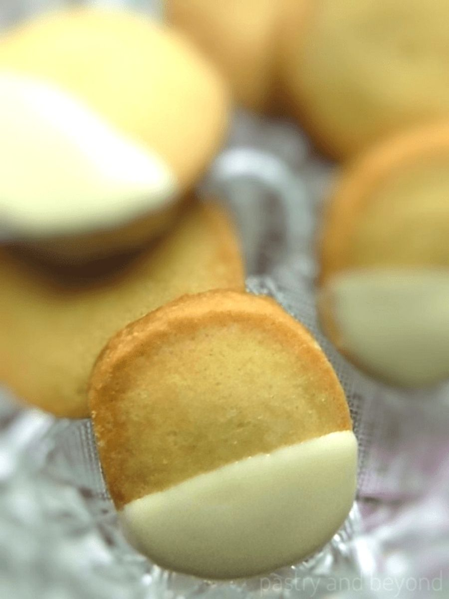 Vanilla shortbread cookies on a glass plate.