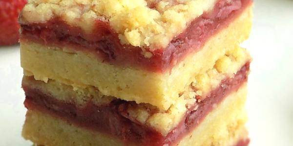 5 Ingredient Strawberry Crumble Bars