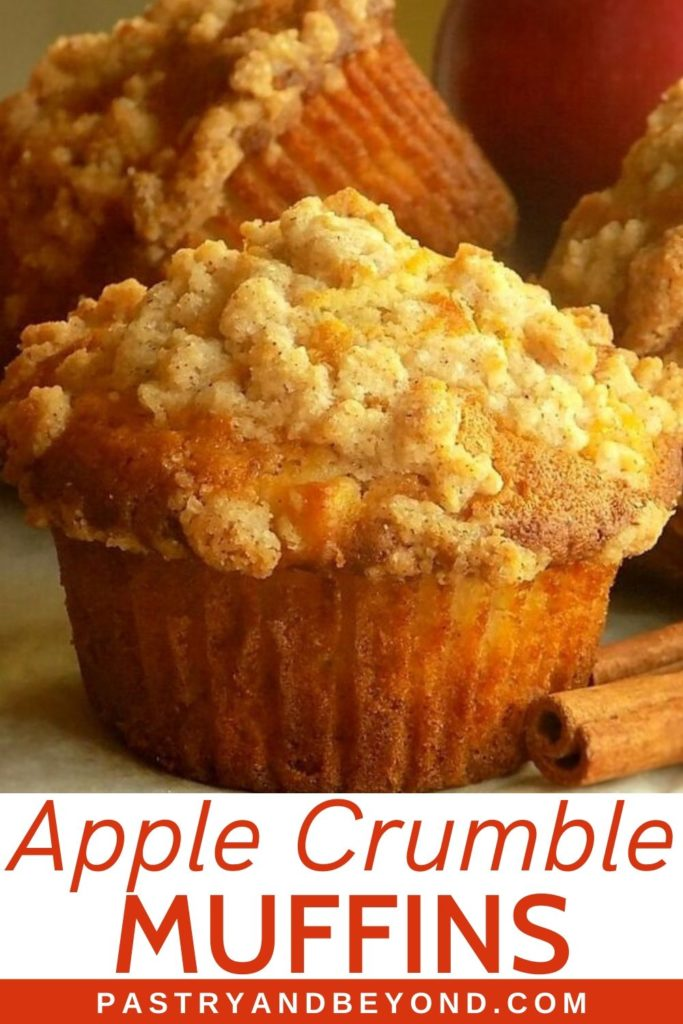Apple Muffin with Crumbles on top